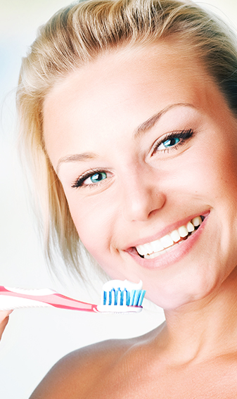 Women with smile - Image at Frenchs Forest Dental